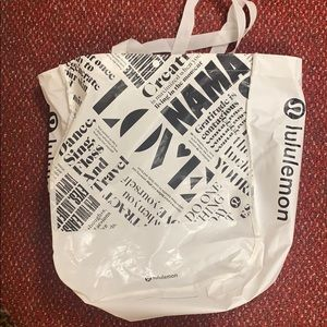Lululemon reusable tote large